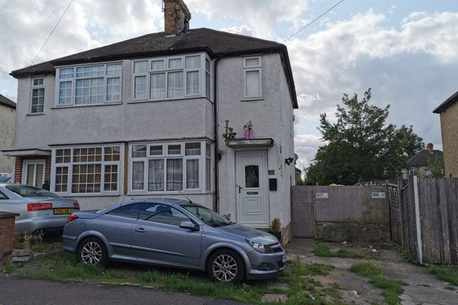 Thumbnail Semi-detached house to rent in Third Avenue, Luton, Beds