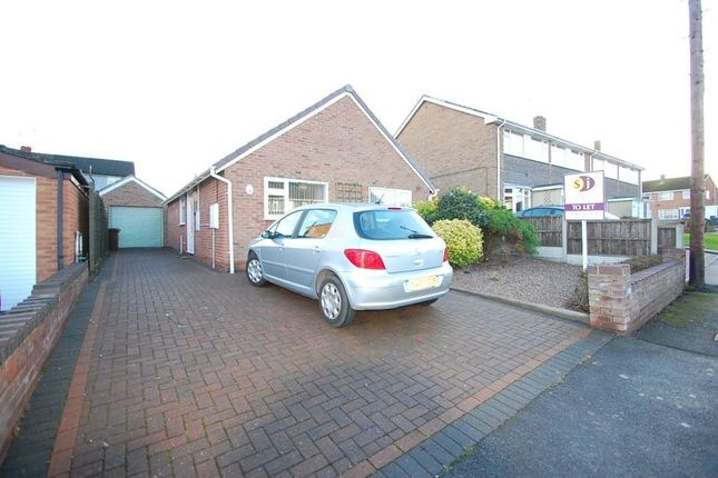 Thumbnail Bungalow to rent in St Andrews Drive, Burton Upon Trent, Staffordshire