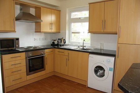 Thumbnail Room to rent in Heverham, Plumstead