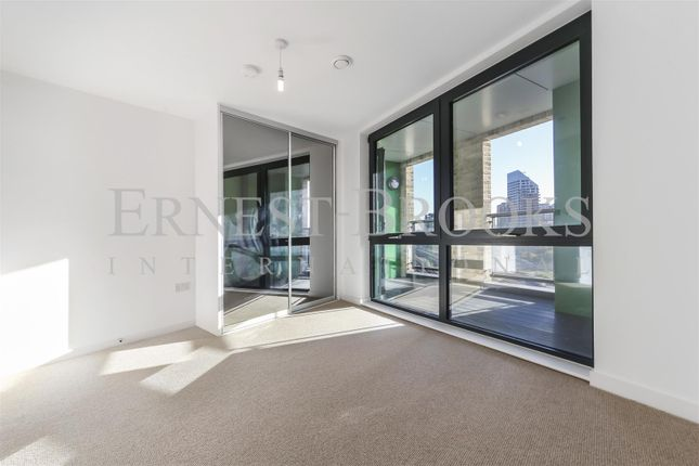 Picture 3 of Roosevelt Tower, Williamsburg Plaza, Canary Wharf E14
