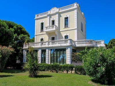 Thumbnail Villa for sale in Argeles-Sur-Mer, Pyrénées-Orientales, France