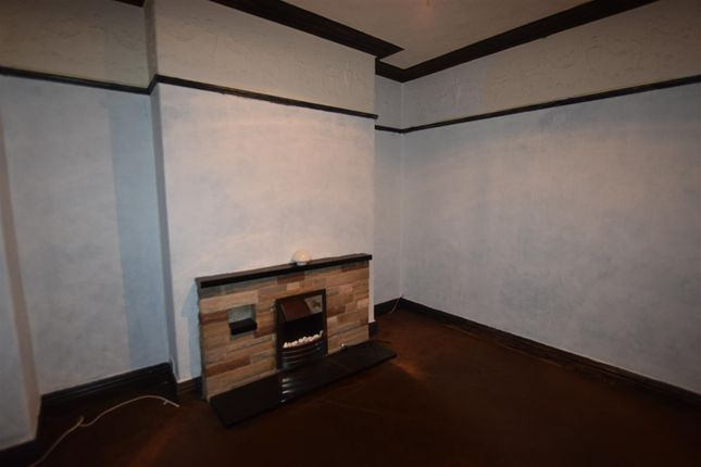 Thumbnail Property to rent in Bury New Road, Heywood