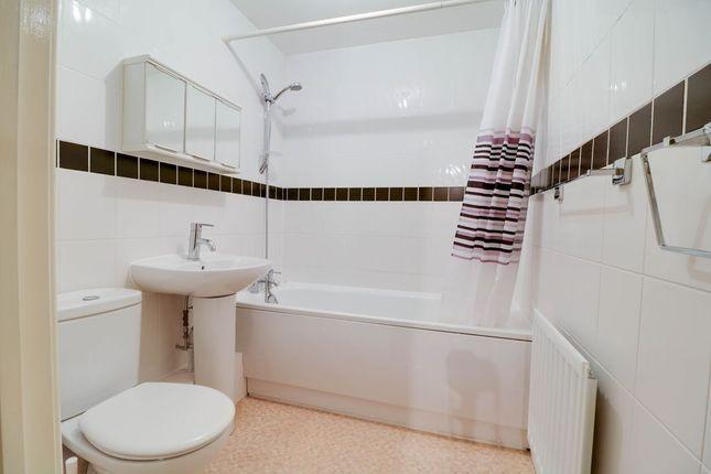 Bathroom 1 of Medici Close, Ilford IG3