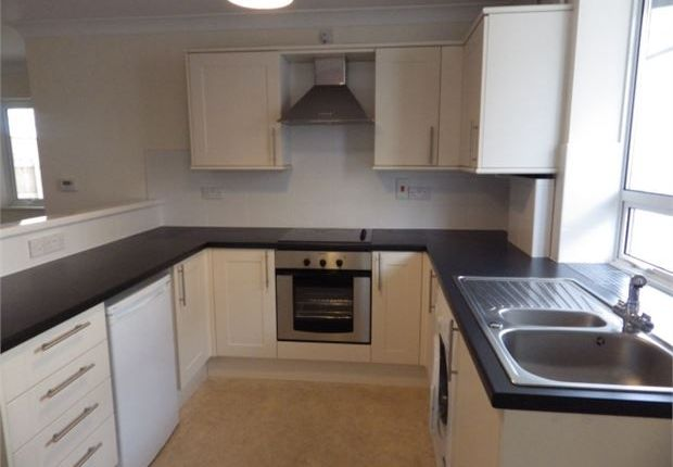 Thumbnail Maisonette to rent in St Andrews Road, Exmouth