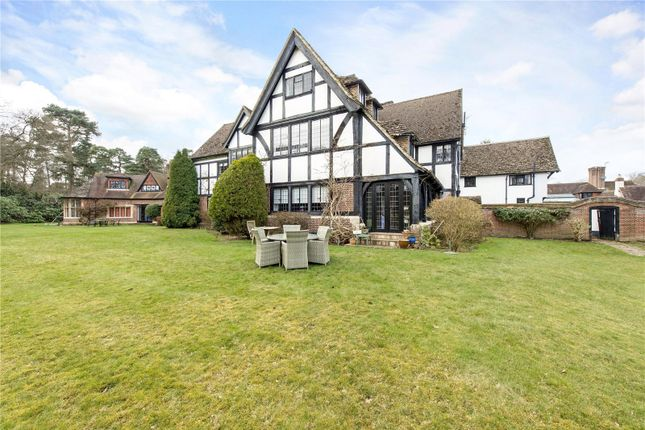 Thumbnail Flat for sale in Fulmer Chase, Stoke Common Road, Fulmer, Buckinghamshire