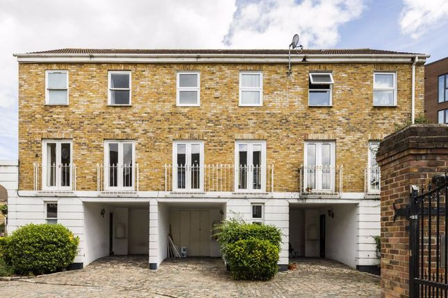 4 bed terraced house to rent in Robinscroft Mews, London SE10