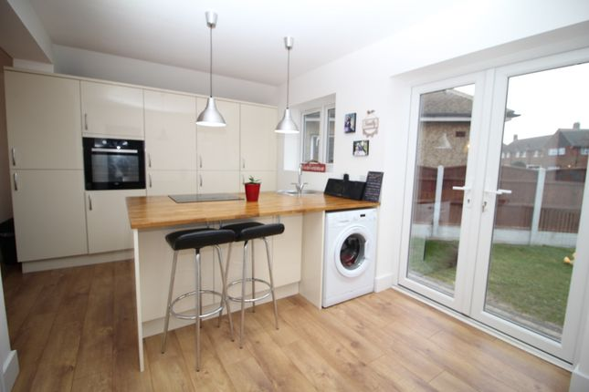 Ensuite Room To Rent In Grays