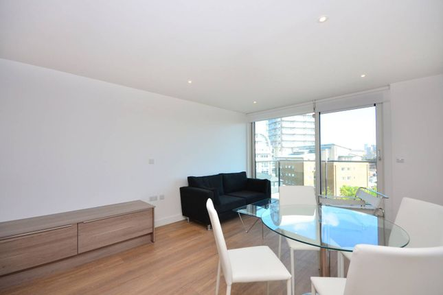 Thumbnail Flat to rent in Seafarer Way, Rotherhithe