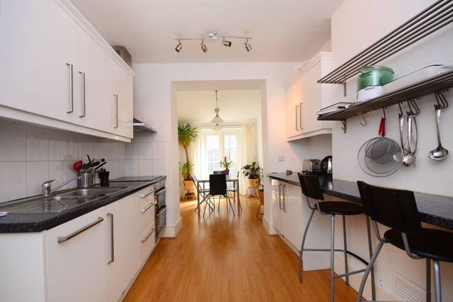 Thumbnail Property to rent in Flaxman Road, Camberwell