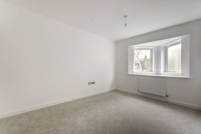 Thumbnail Property for sale in Cleary Court, Battersea