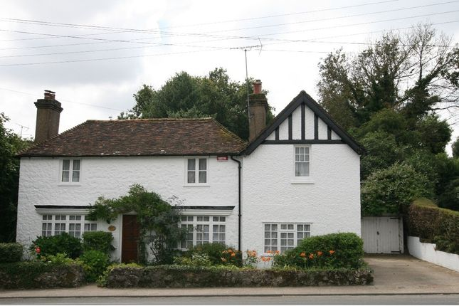 Thumbnail Cottage to rent in Woolpack Hill, Smeeth, Ashford