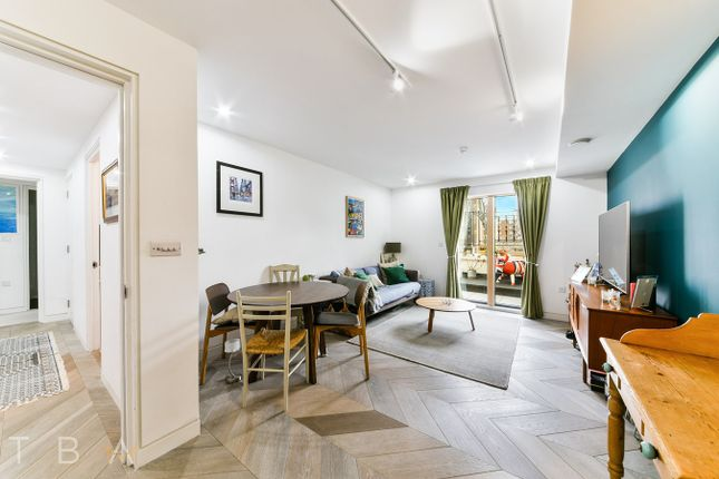 2 bed flat to rent in Pitfield Street, London N1