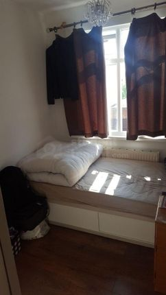 Thumbnail Shared accommodation to rent in Milner Road, Gillingham, Kent