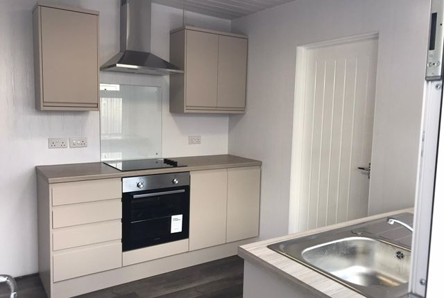 3 bed terraced house to rent in Albion Terrace, Blackwood NP12