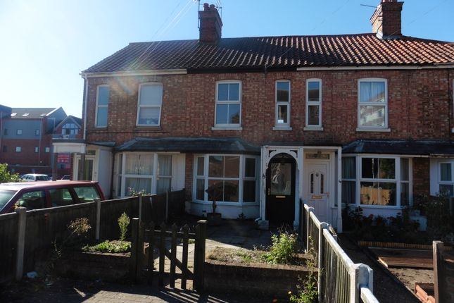 Thumbnail Town house for sale in Queens Road, Fakenham