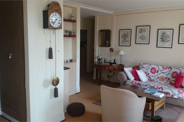 Thumbnail Apartment for sale in Rhône-Alpes, Haute-Savoie, Annemasse