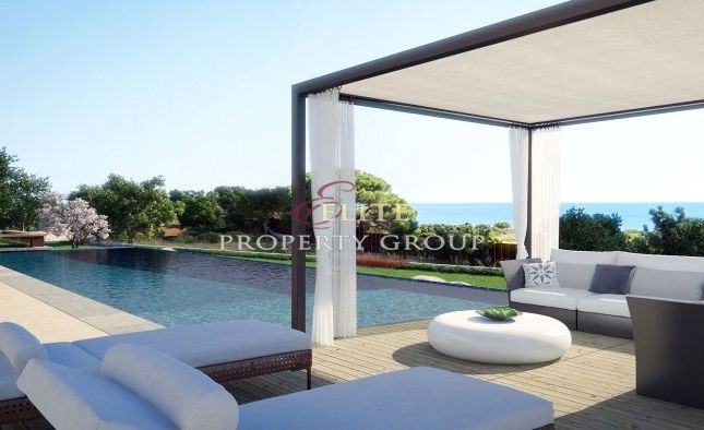 Thumbnail Villa for sale in Carvoeiro, Algarve, Portugal