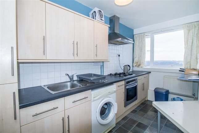 Thumbnail Flat to rent in Farnborough House, Fontley Way, Roehampton