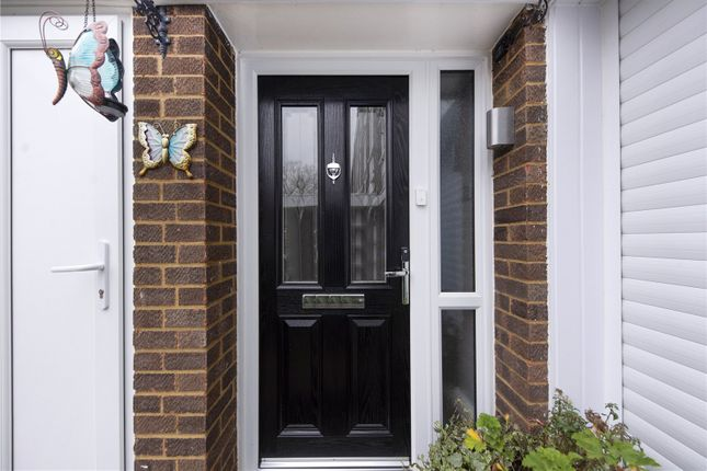 Picture No. 05 of Silver Tree Close, Walton-On-Thames, Surrey KT12