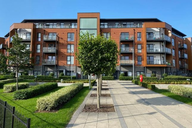 2 bed flat to rent in Bell Flower Lodge, Gubbins Lane, Harold Wood RM3