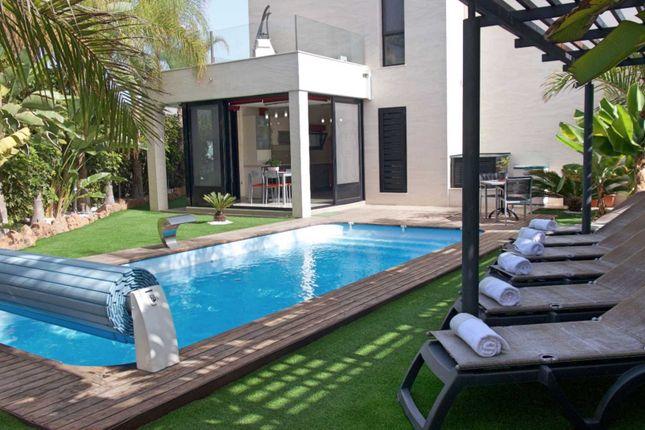 4 bed villa for sale in Avenida Francia, Torviscas Alto, 38660
