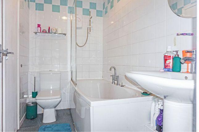 Bathroom of Windsor Walk, Darlaston, Wednesbury WS10