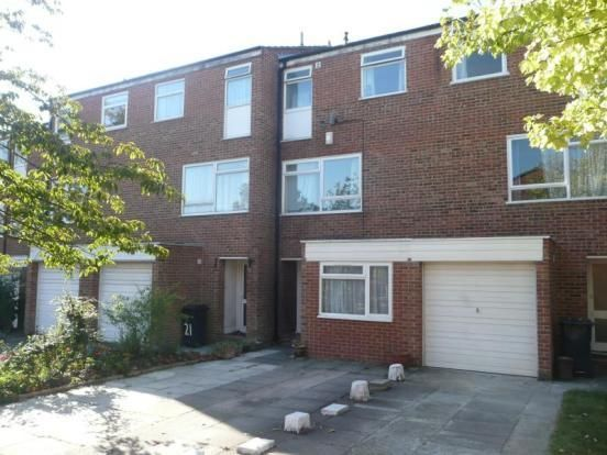 Thumbnail Flat to rent in Dumbleton Close, Norbiton, Kingston Upon Thames