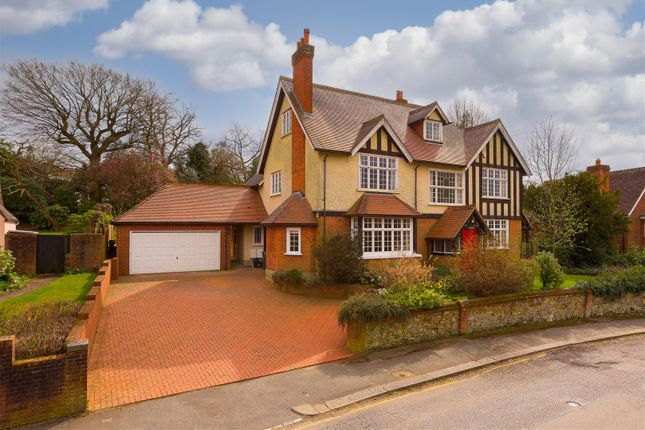 Thumbnail Property for sale in Hillfield Road, Redhill