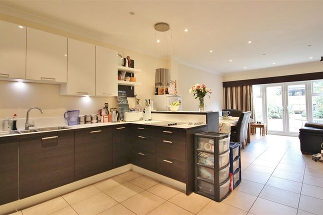 Thumbnail Terraced house to rent in St Gabriels, Wantage