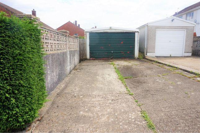 Garage of Lon Brynawel, Llansamlet SA7