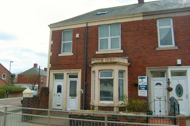 Thumbnail Flat to rent in Victoria Road East, Hebburn