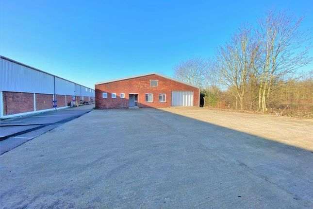 Thumbnail Warehouse to let in Unit 16, Ashford Industrial Estate, Shield Road, Ashford