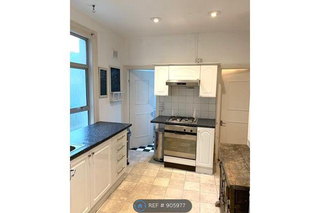 Kitchen of Duntshill Road, London SW18