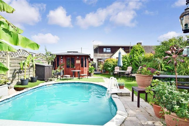 Thumbnail Semi-detached house for sale in Fifth Avenue, Wickford, Essex