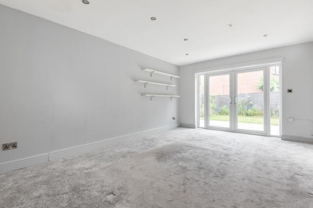 Living Room of St. James Road, Finchampstead, Wokingham RG40
