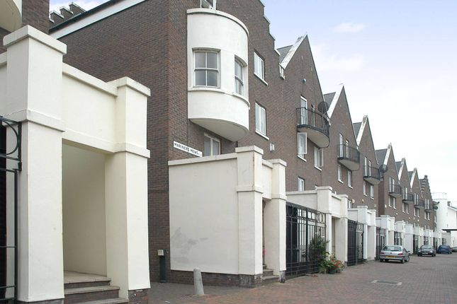 Mariners Mews, Isle Of Dogs, London E14