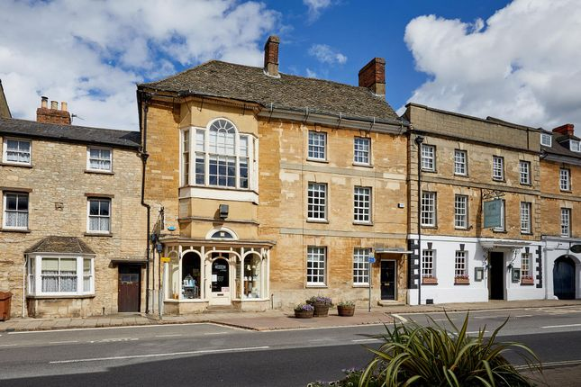 Thumbnail Terraced house for sale in Oxford Street, Woodstock, Oxfordshire