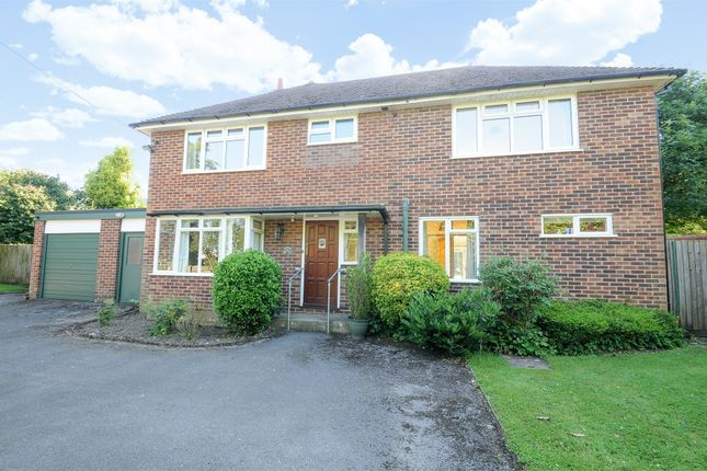 Thumbnail Detached house to rent in Jacklyns Lane, Alresford, Hampshire