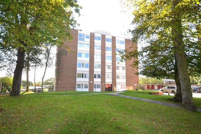 2 bed flat for sale in Priory Crescent, Crystal Palace SE19