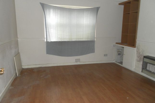 Thumbnail Flat to rent in Oriel Road, Bootle, Merseyside
