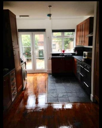 Thumbnail Room to rent in Harefield Road, Room E, Coventry