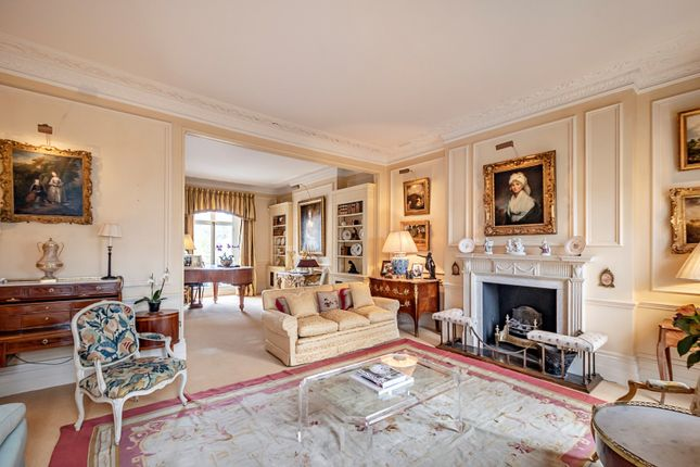 Thumbnail Property for sale in Thurloe Square, London