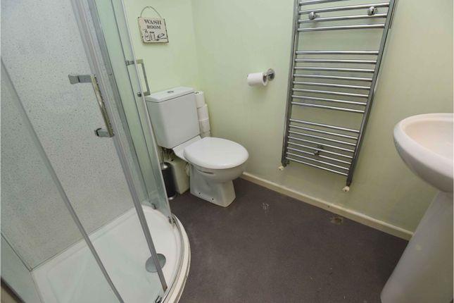En-Suite Two of Harlesden Close, Romford RM3