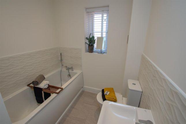 Bathroom of Gateway Avenue, Baldwins Gate, Newcastle ST5
