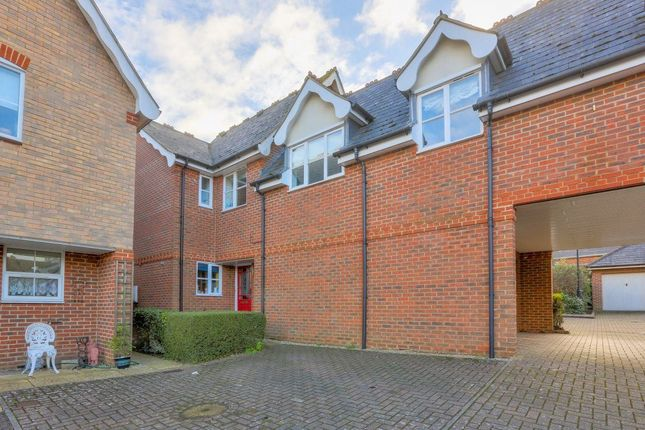 Thumbnail Property to rent in Vallance Place, Harpenden, Herts