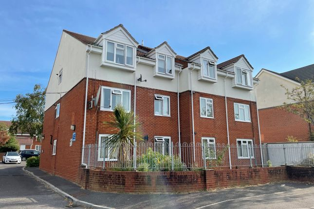 Thumbnail Flat to rent in Wessex Gate, Malmesbury Park Road, Bournemouth