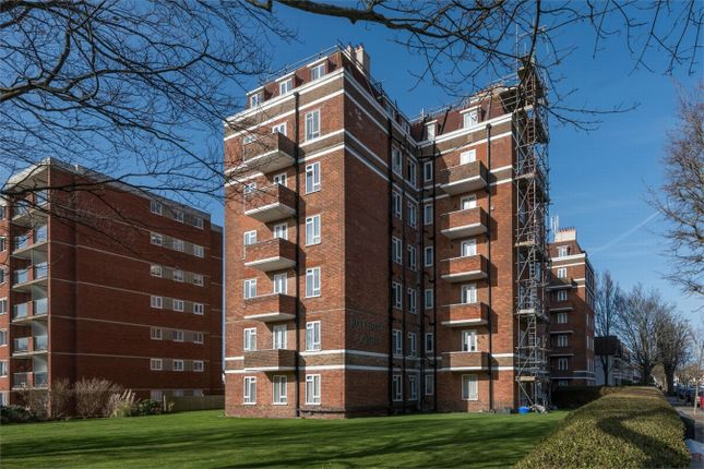 Thumbnail Flat for sale in Rutland Court, New Church Road, Hove, East Sussex