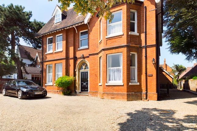2 bed flat to rent in The Gables, London Road, Canterbury CT2