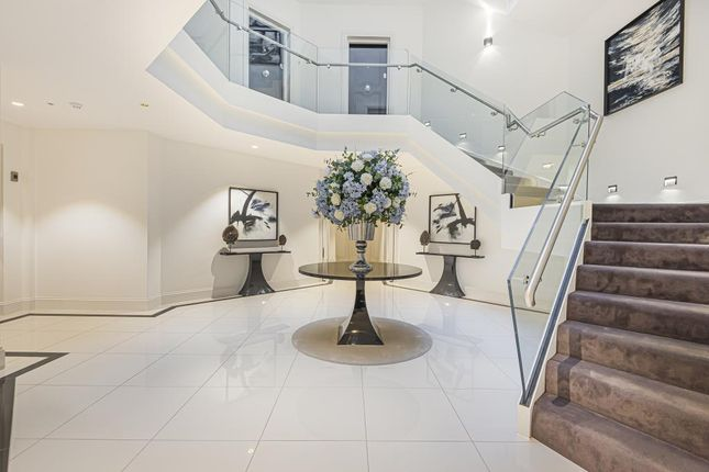 Thumbnail Flat for sale in Victoria Residences, Windsor