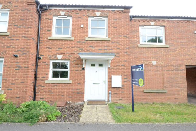 Thumbnail Terraced house to rent in Dowles Green, Wokingham